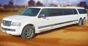 22 vietų LiMo | DaugiaRatis 3 ašių Lincoln Navigator nuoma