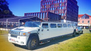 Baltas Hummer limuzinas
