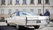 Vilniuje baltas automobilis Jūsų krikštynoms