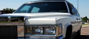 Cadillac Fleetwood senovinis baltas automobilis