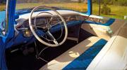 Puikiai restauruotas retro automobilis