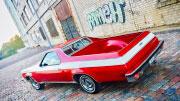Stilingas retro automobilis raudonos spalvos
