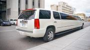 Cadillac Escalade didelis ir ilgas 22 vietų limuzinas