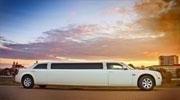 Šampaninis ilgas Chrysler nuomai