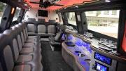 Baltas limuzinas iš vidaus