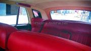 Raudonos sedynes - Bentley salonas