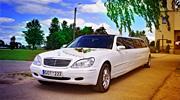 Baltas Mercedes Benz limuzinas