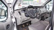 Mikroautobuso Opel Vivaro vairuotojo vieta